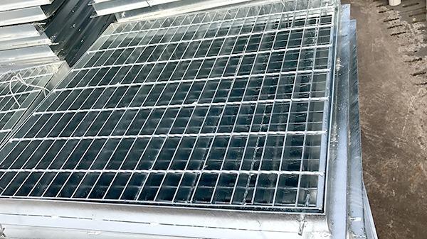 响达钢格板告诉您热镀锌钢格板安装的方法