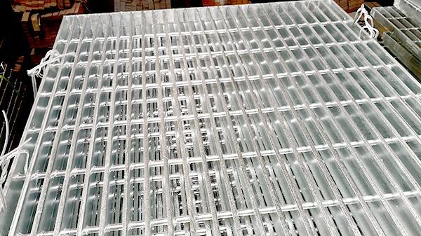钢格板安装固定的方法及施工规范