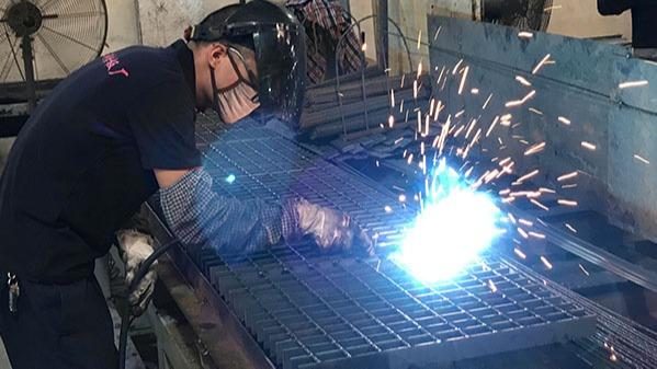 手工焊接钢格板须注意哪些方面?