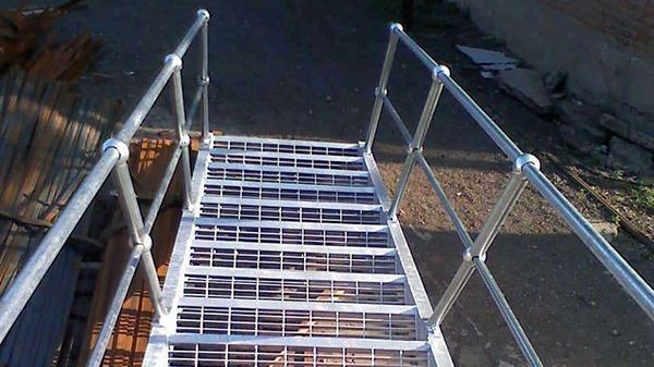 格栅踏步板安装时一定要注意这些事项